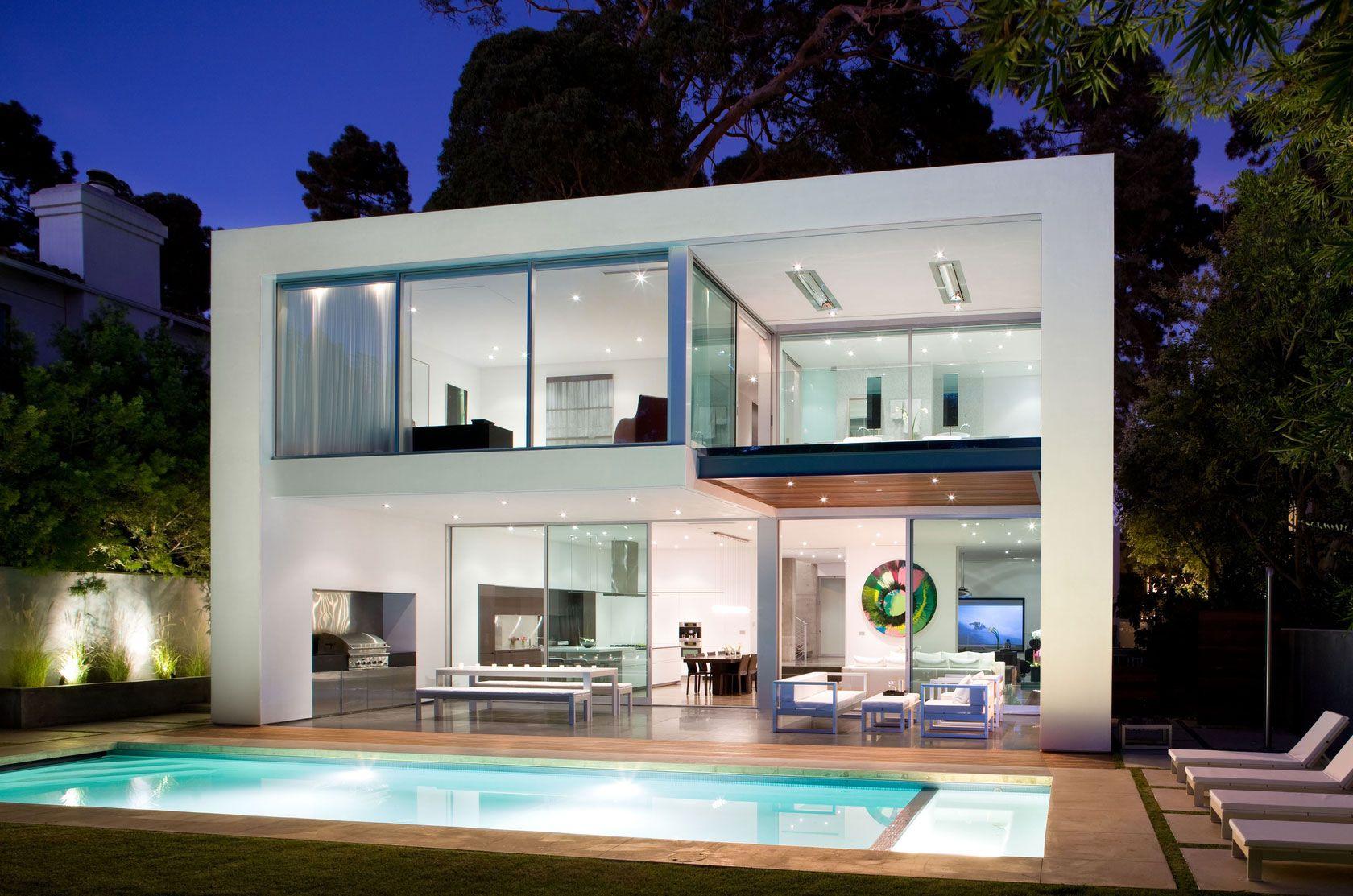 diseño de moderna casa de dos pisos construida en 220 metros