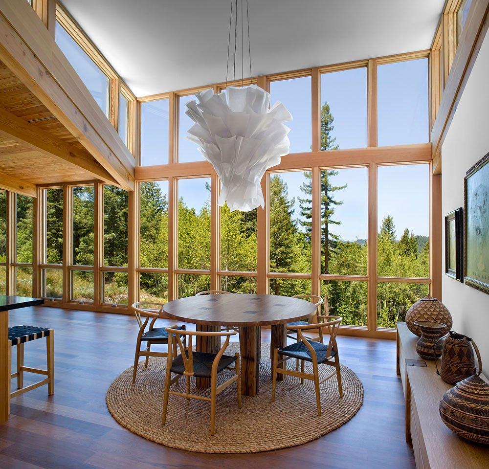 Diseño de comedor circular para casa de campo