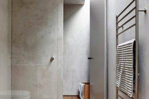Concreto pulido en el cuarto de baño