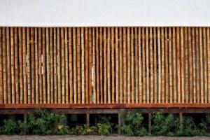 Detalle de bambu en la fachada