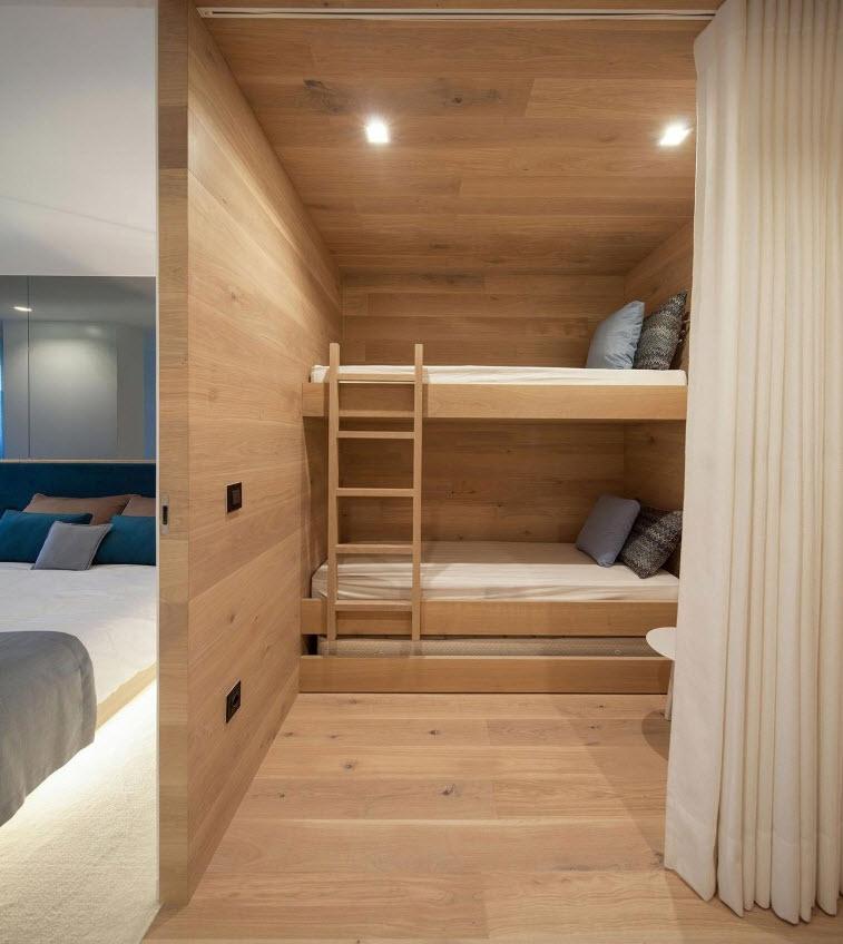 dormitorio de literas de madera