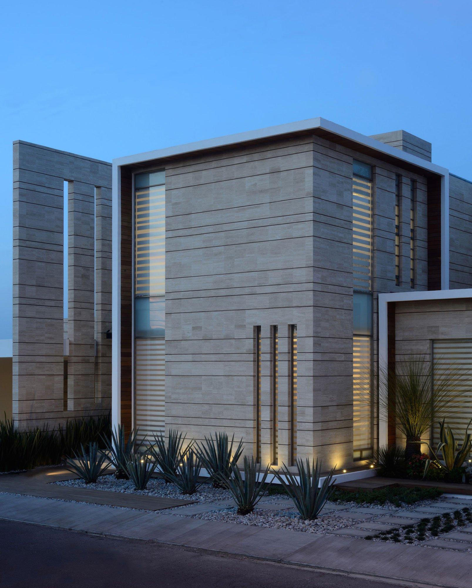 Detalles de fachada de dos pisos