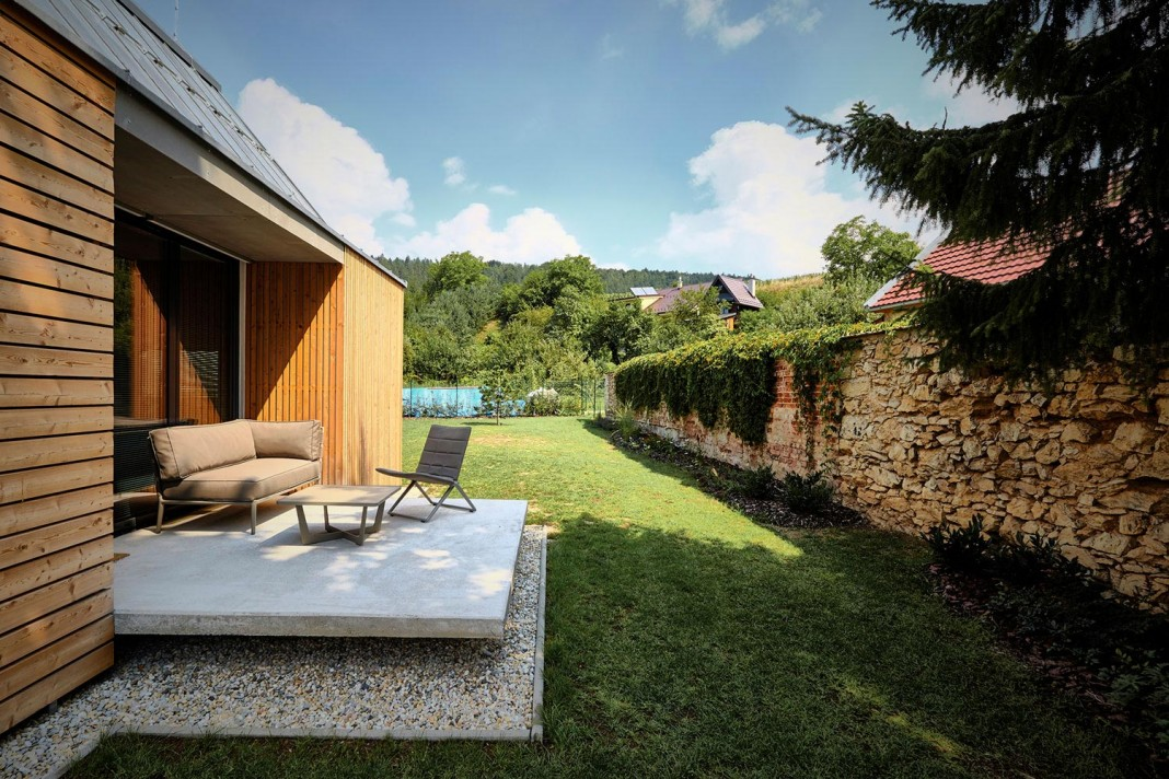 Peque a casa de campo construida en 93 metros cuadrados - Terraza casa de campo ...