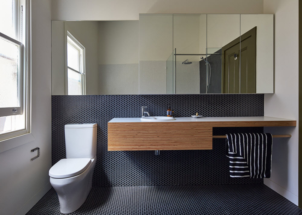 Espacioso cuarto de baño