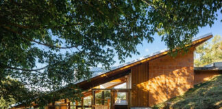 Casa en ladrillo y madera
