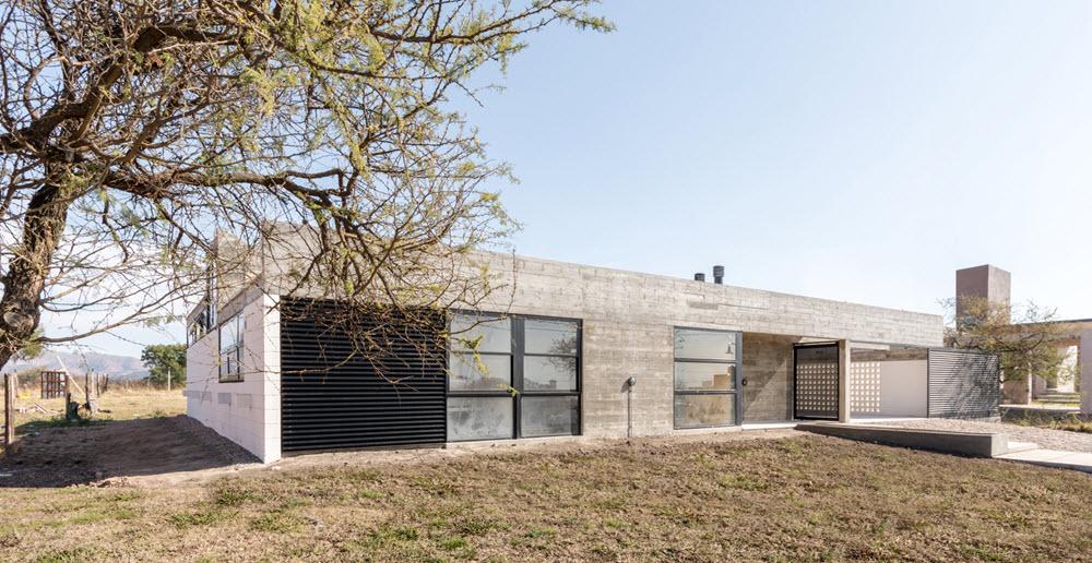 Casa de un piso construida en hormigón