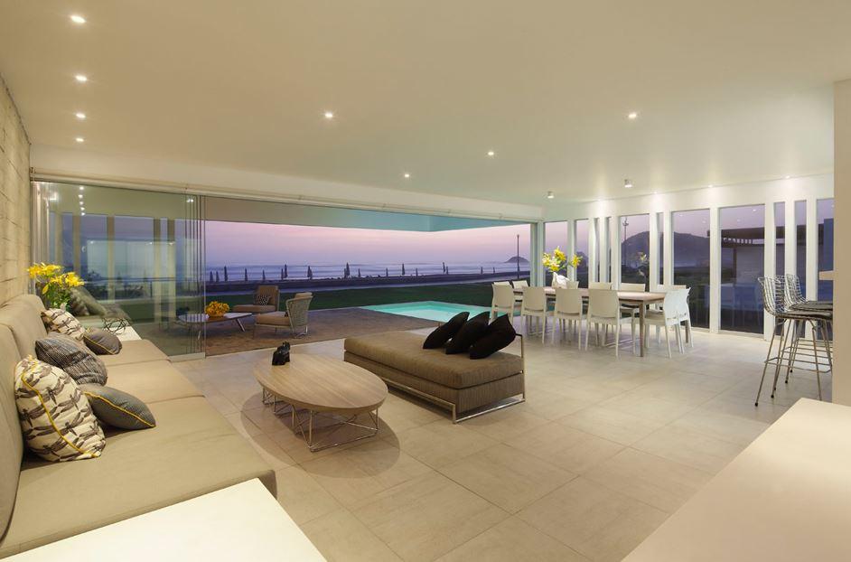 Dise o de moderna casa de playa planos de arquitectura for Diseno de interiores sala de estar