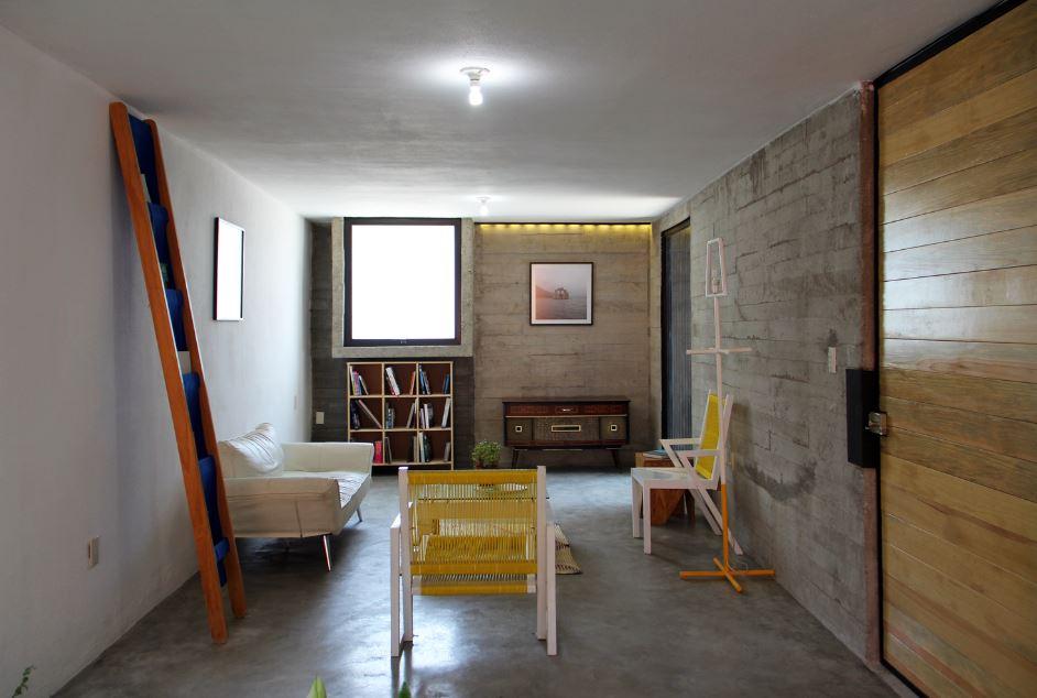 Interior de sala en concreto expuesto