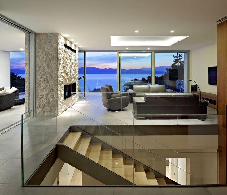 Dise o de moderna casa de dos pisos planos de arquitectura for Escaleras interiores de casas pequenas