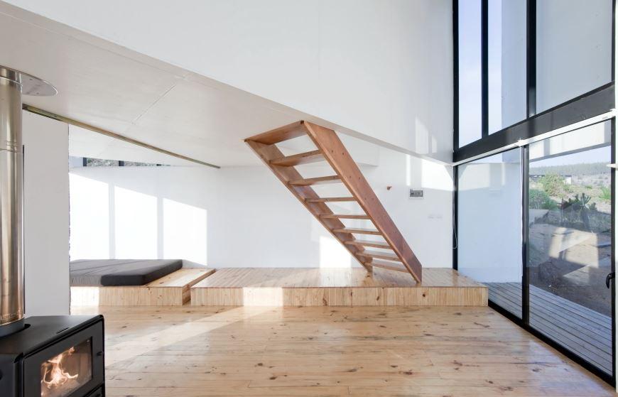 Dise o casa peque a de playa planos de arquitectura - Escaleras diseno interior ...
