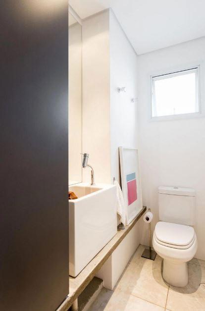 Cuarto de baño con mobiliario de concreto