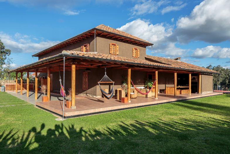 Dise o casa construcci n con adobe planos de arquitectura for Fachadas de casas modernas en queretaro