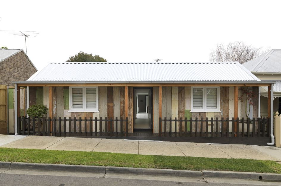 Casa de un piso y tres dormitorios planos de arquitectura for Fachadas de casas modernas 1 piso