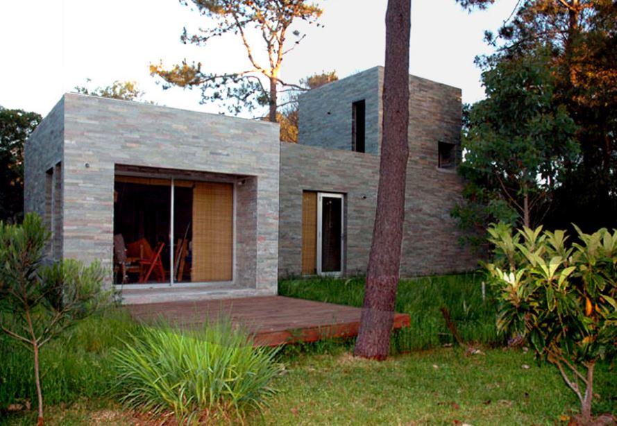 Dise o de peque a y s lida casa de campo planos de for Diseno de casas interior y exterior