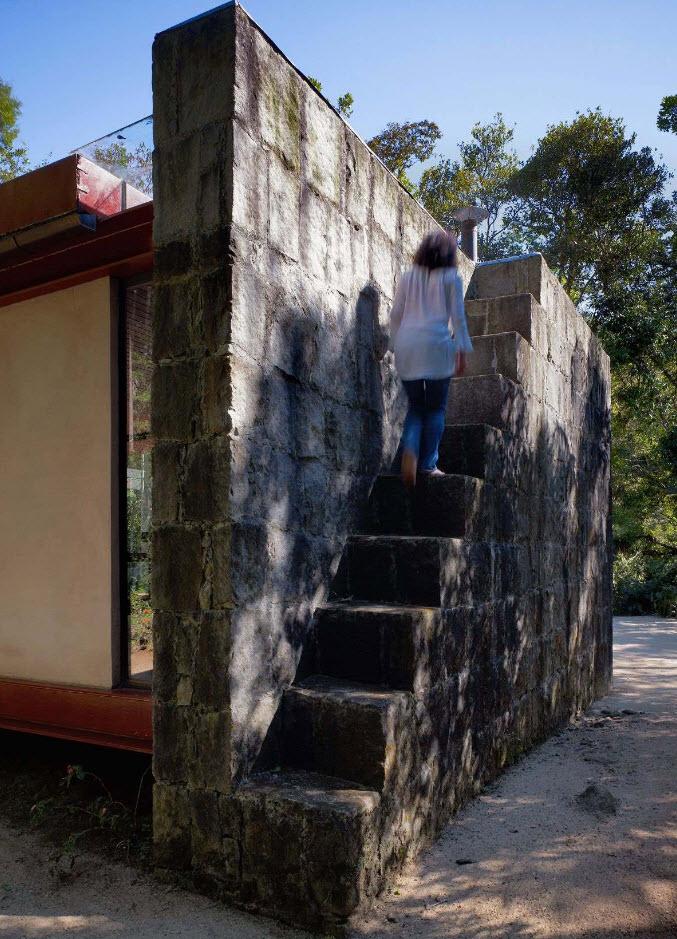 Diseño de escaleras rústicas de piedra