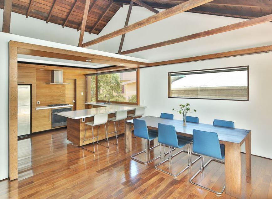 Casa de un piso y tres dormitorios planos de arquitectura for Disenos de cocinas comedor modernas