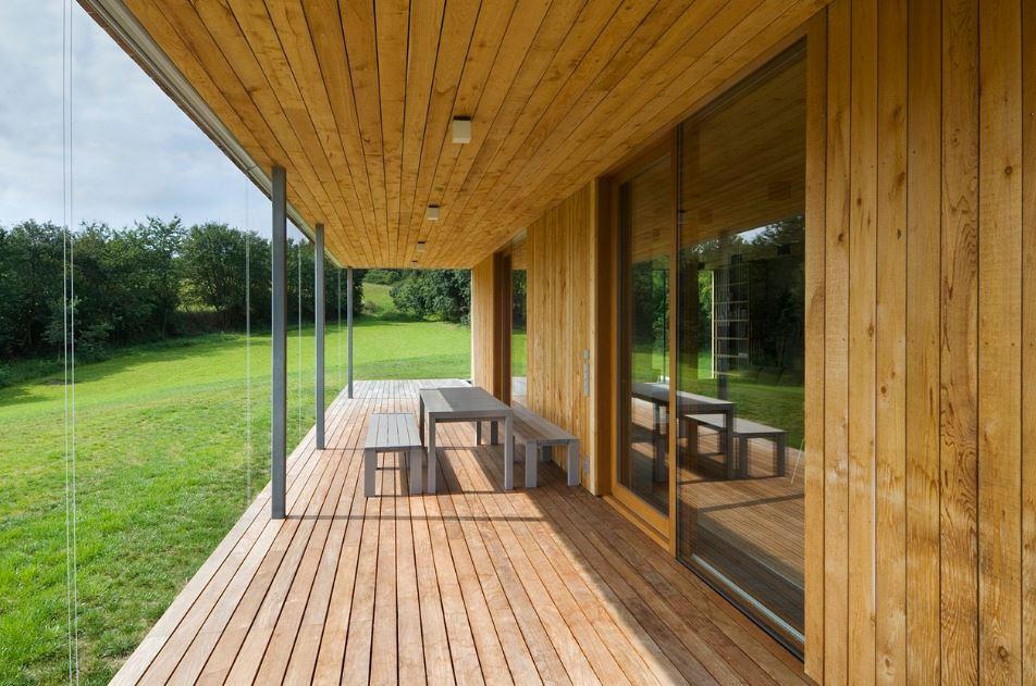 Casa de un piso y dos dormitorios presenta modernos for Planos terrazas exteriores