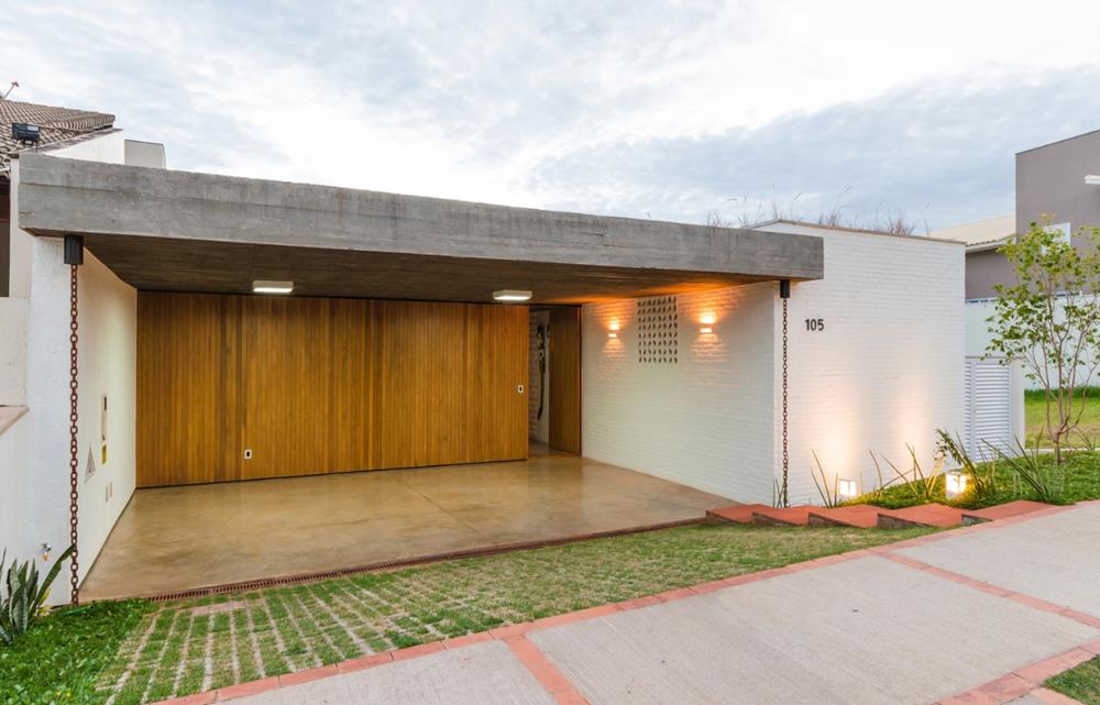 Moderna casa de un piso y tres dormitorios planos de for Casas modernas ladrillo