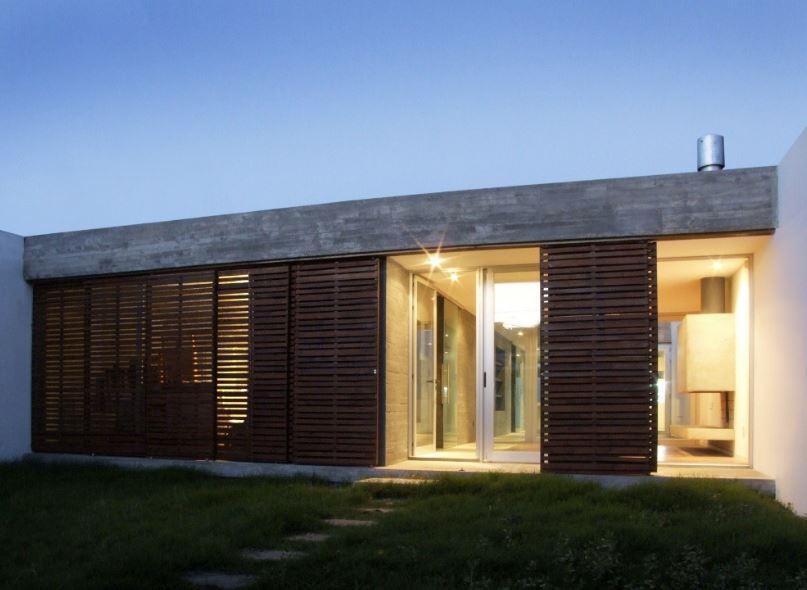 Dise o de casa moderna de un piso y tres dormitorios for Disenos de casas 120 m2