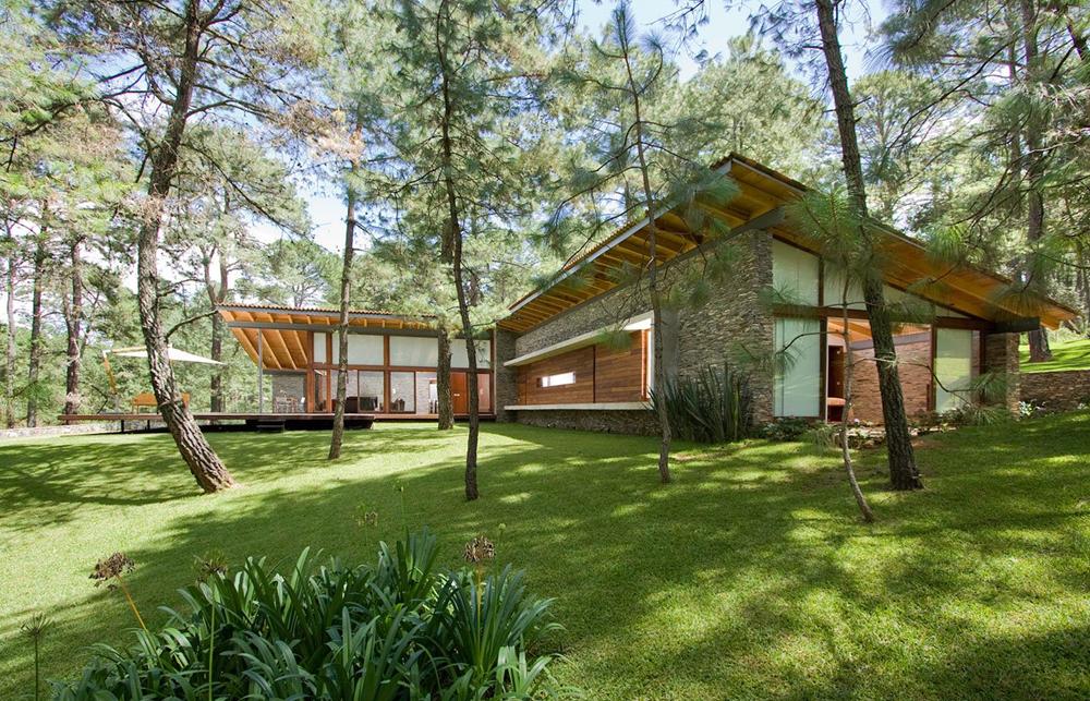 Dise o de casa de campo construccion moderna con for Casas de campo modernas