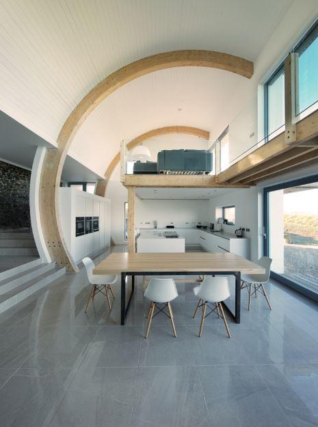 Diseño de doble altura en inteior