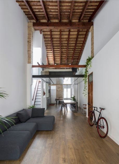 Casas largas y angostas planos de arquitectura for Diseno de casas angostas