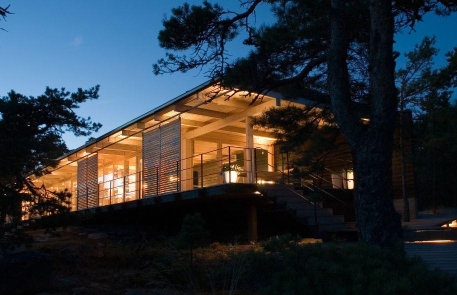 Hermosa sala con amplicaciones de madera planos de - Disenos casas de madera ...