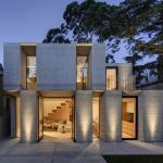 Hermosa fachada de casa de concreto