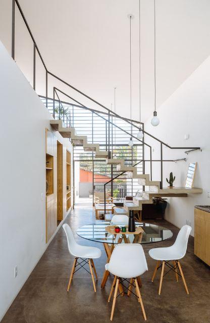 Dise o de moderna casa de dos pisos y dos dormitorios for Diseno de interiores nota de corte