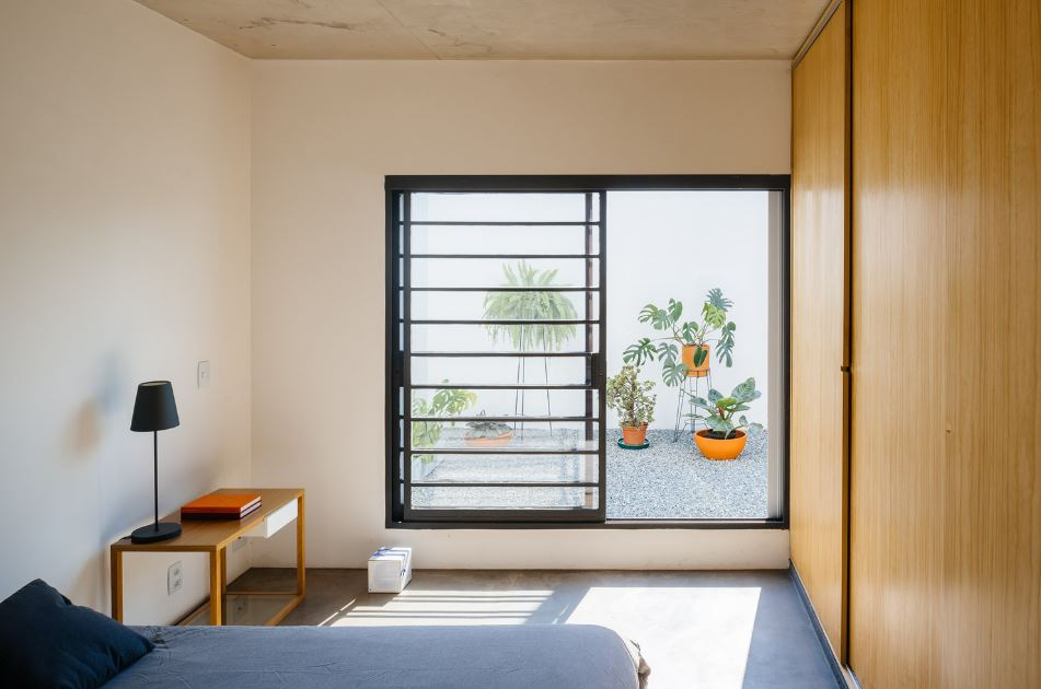 Moderno dormitorio de pequeña casa