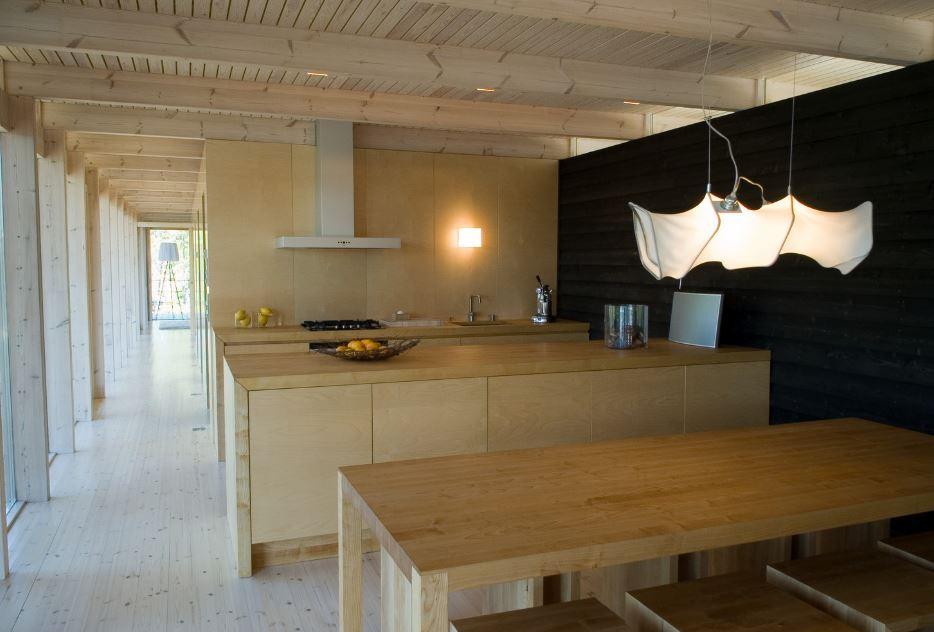 Diseño de pequeña cocina isla en madera